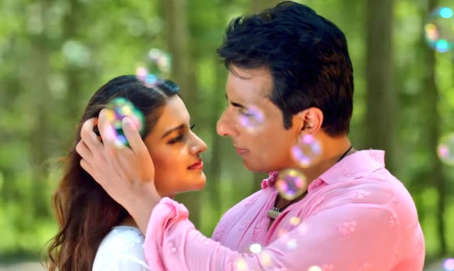 Real hero Sonu Sood south queen Nidhhi Agerwal latest song