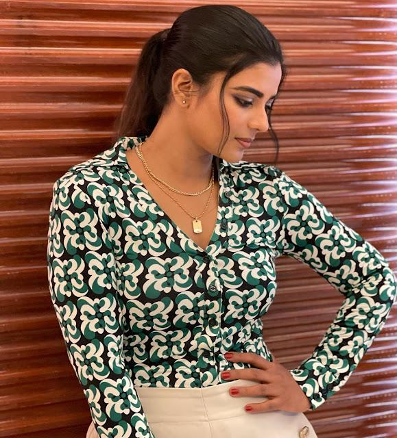 Aishwarya Latest Stylish look for Photoshoot