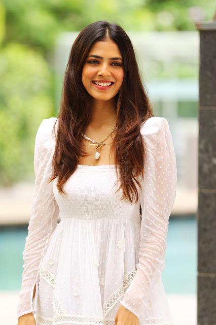 Actress Malavika Mohanan Birthday Celebration Pics
