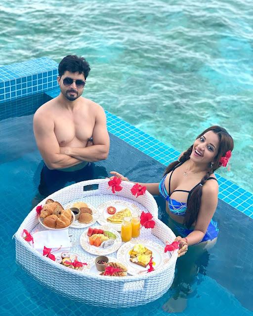Monalisa hot Enjoying in Maldives in hot Bikini with Vikrant singh