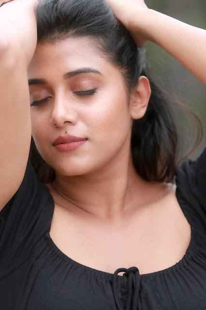 Shilpa Manjunath Seducing in Black Bodycon Outfit