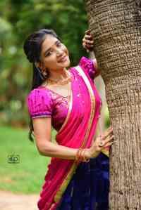 Sizzling Half Saree Stills of Actress Sakshi agarwal