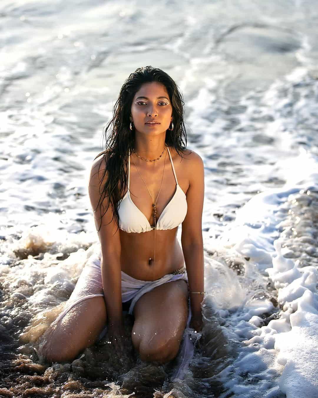 actress keerthi pandian beach bikini stills