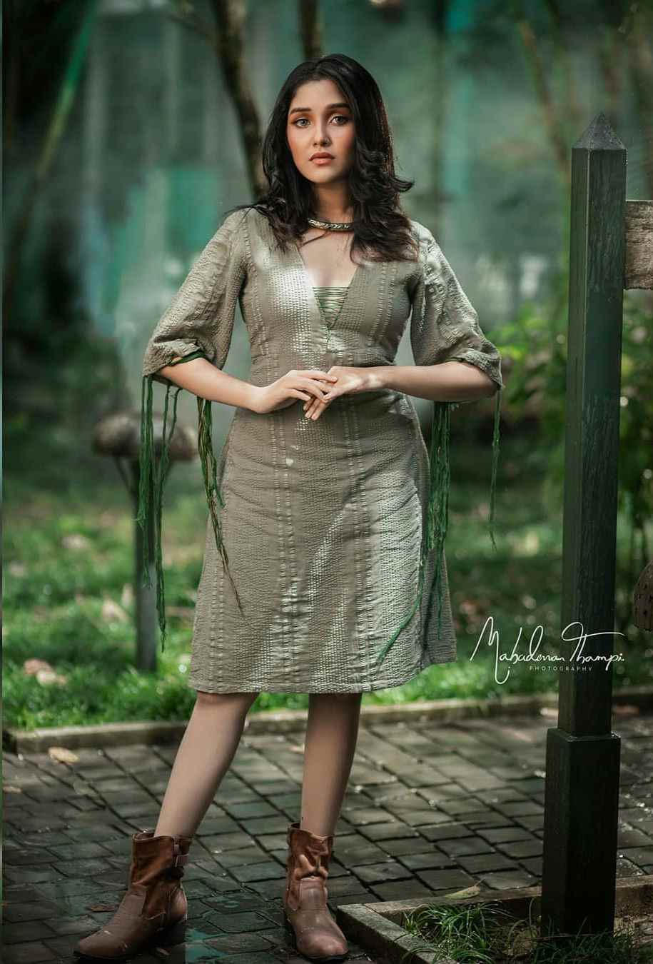 Mallu actress Anikha Surendran Photo Gallery