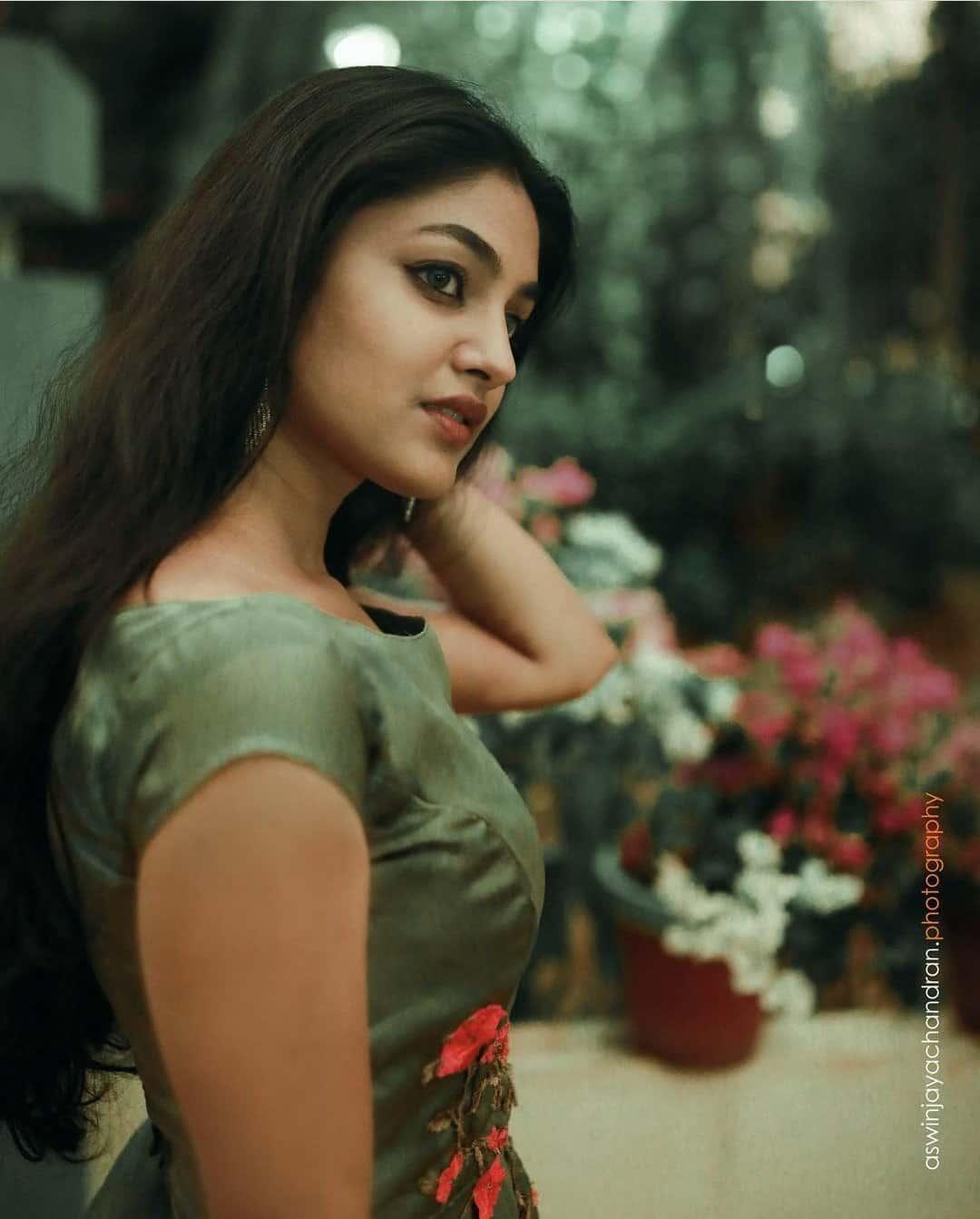 Mallu Actress Ivana Photo Gallery