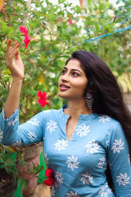 Vijay TV Serial Actress Vaishnavi Arulmozhi Photoshoot Stills