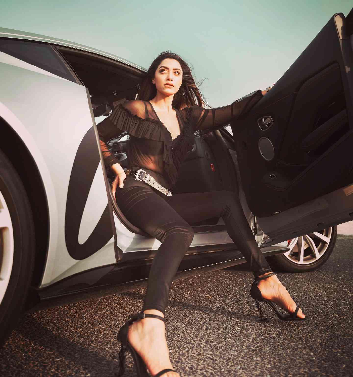 Mallu Actress Mamta Mohandas Latest Gorgeous Photoshoot as James Bond 007's Lady